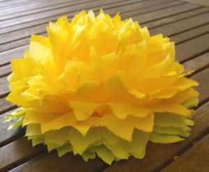 Fleurs printanières en papier dans déco DSCF2471-300x247